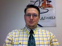 faulbaer mit krawatte